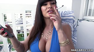 Amazing Lisa Ann gets her wet pussy eaten out by a horny dude