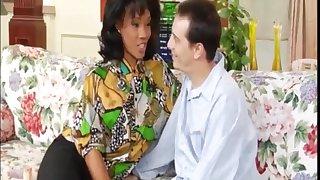 Seductive bombshells threesome arousing sex video