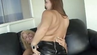 Adult mummy lezzies eating beaver and frolicking sextube