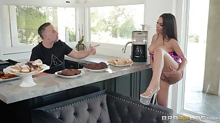 Hardcore missionary bonk in the pantry with housewife Lela Star
