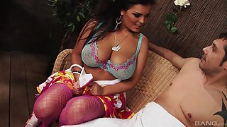 Mature Latina vixen Jaylene Rio missionary fucked and rides dick