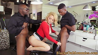 Interracial spitroasted milf analized in trinity