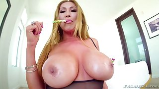 Giant breasted Asian whore Kianna Dior is ready to give a good blowjob