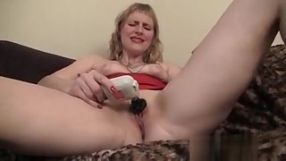 Sexy MILF Josie Pleasing Their way Pussy More Toys