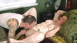 Amateur screams and trembles while man takes good care of her cunt
