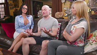 Threesome with kinky blondes Sarah Vandella and Silvia Saige