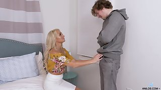 Sexy elder lady seduces young student and gives him a blowjob